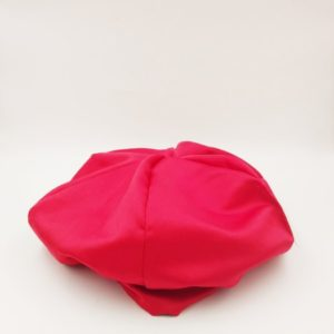 Bonnet satin rouge