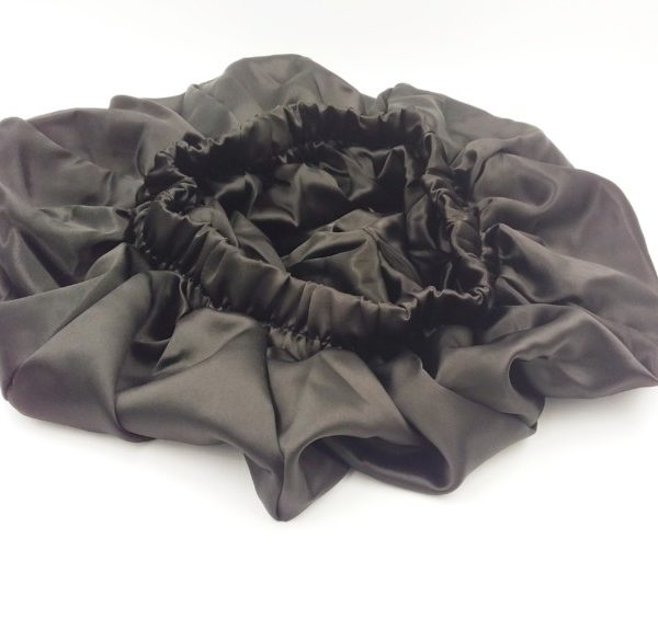 Bonnet satin noir